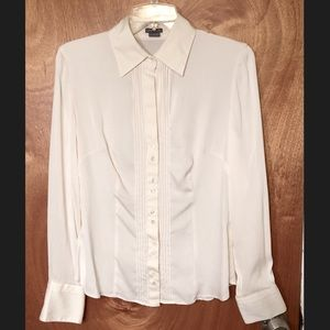 ANN TAYLOR CREAM COLORED BUTTON FRONT BLOUSE 8